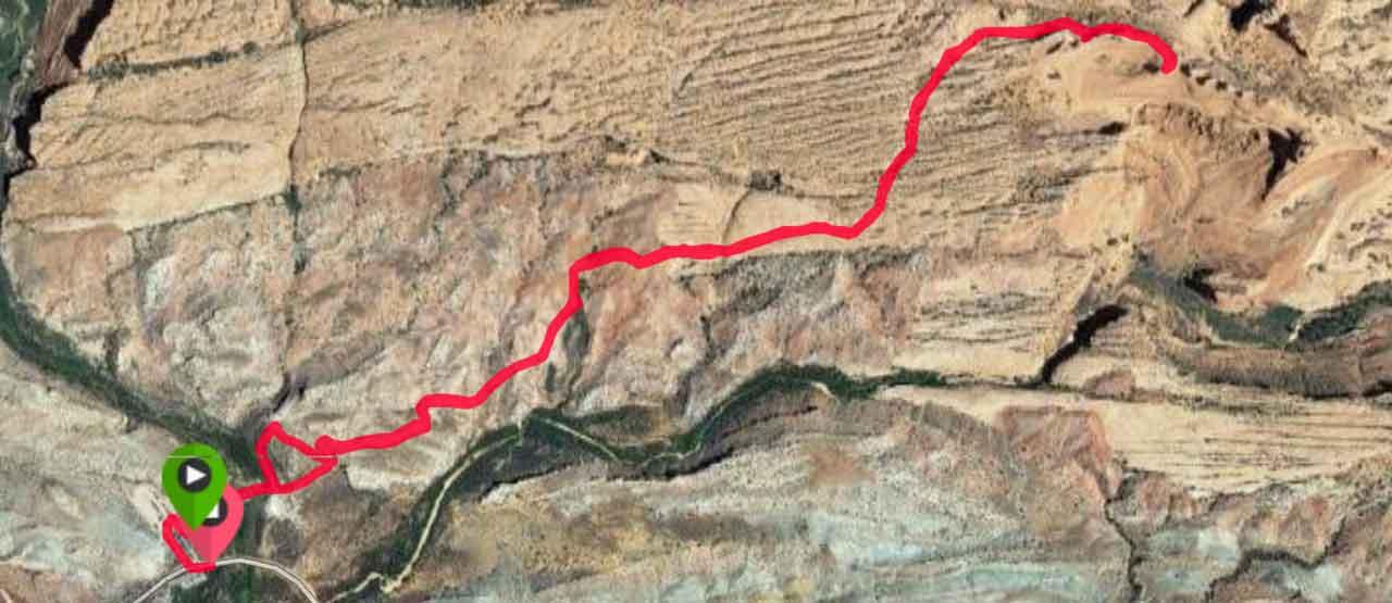 Hiking Delicate Arch Moab Utah